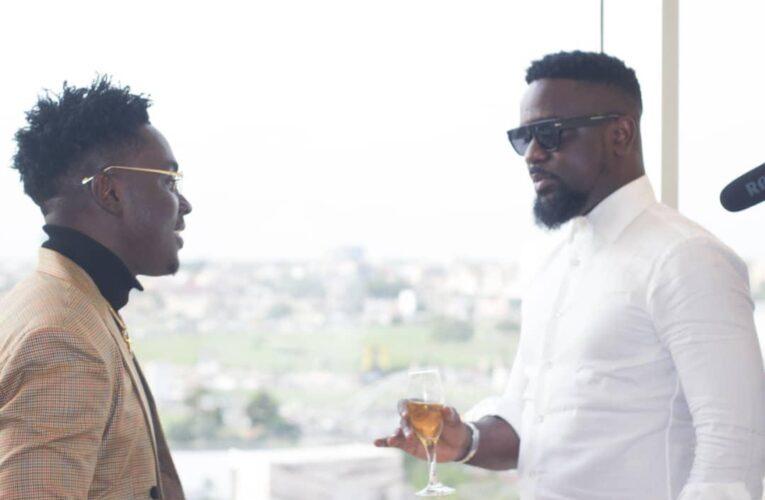 Video + Kweku Smoke Disses Kwadwo Sheldon On Behalf Sarkodie For Calling Him Chisel